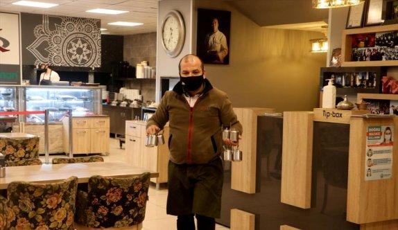 Edirne'de sabah müşteri kabul etmeye başlayacak yeme içme yerleri hazırlıklara geceden başladı