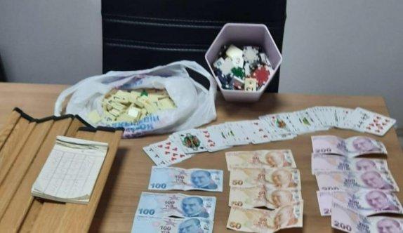 Kocaeli'de kumar oynayan ve Kovid-19 tedbirlerini ihlal eden kişilere para cezası kesildi