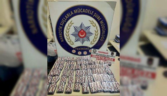 Tekirdağ'da kullandığı takside uyuşturucu hap ele geçirilen şoför gözaltına alındı