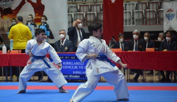 Türkiye Kulüplerarası Takım Karate Şampiyonası'nda ikinci gün tamamlandı