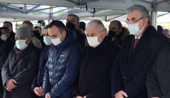 AK Parti Genel Başkanvekili Binali Yıldırım, Sakarya'da cenaze törenine katıldı