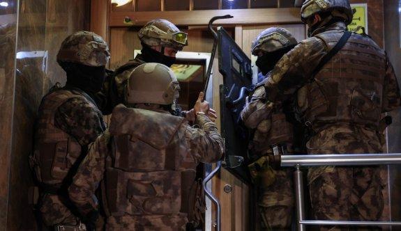 İstanbul merkezli 5 ilde, Sedat Peker'in elebaşı olduğu belirtilen organize suç örgütüne yönelik operasyon