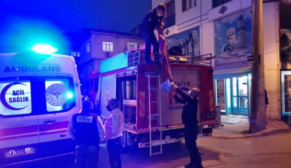 Kocaeli'de rögara düşen kadını itfaiye ekipleri kurtardı