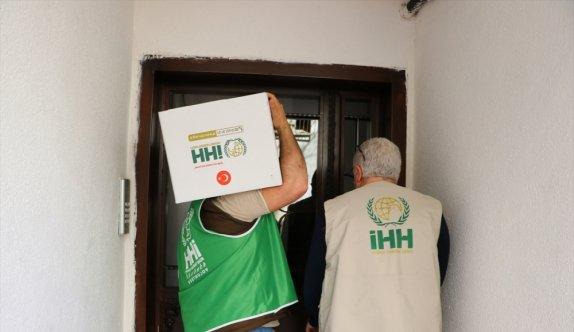 Tekirdağ İnsani Yardım Derneği 500 aileye gıda yardımı yaptı