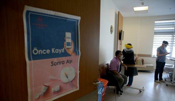 Trakya'da Kovid-19'la mücadelede BioNTech aşılarının ilk dozları uygulanmaya başlandı