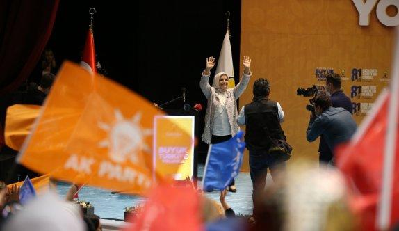 AK Parti Genel Merkez Kadın Kolları Başkanı Keşir, Balıkesir'de kadınlarla bir araya geldi: