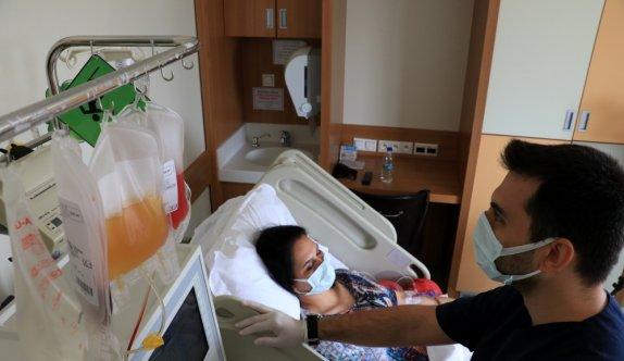Genç kadın kök hücre bağışıyla 3 yılda 2 bebeğe