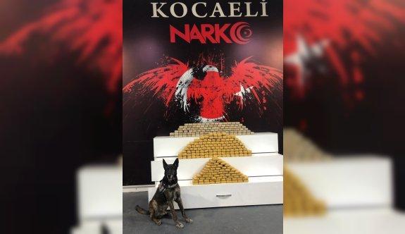 Kocaeli'de kamyonette 139 kilo 350 gram eroin ele geçirildi, 4 şüpheli gözaltına alındı