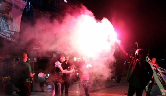 Kocaelispor'un TFF 1. Lig'e yükselmesi kentte sevinçle karşılandı