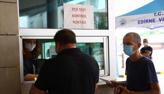 Türkiye ve Bulgaristan arasında aşı sertifikası bulunanların Kovid-19 testinden muaf tutulduğu uygulama sürüyor