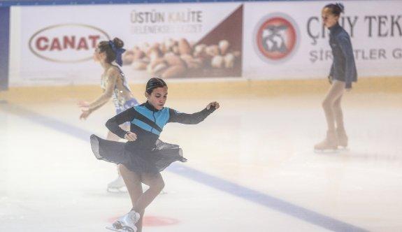 Artistik Buz Pateni Ümitler Spor Toto Federasyon Kupası başladı
