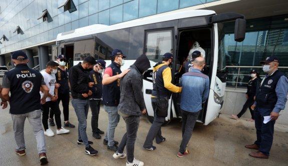 Bursa merkezli yasa dışı bahis operasyonunda 12 şüpheli yakalandı
