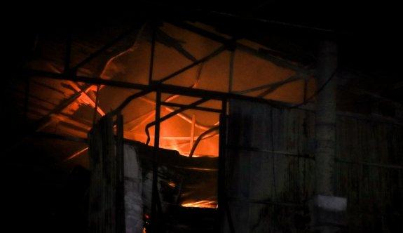 Bursa'da plastik atık fabrikasında çıkan yangın söndürüldü