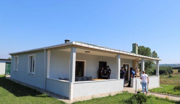 Çatalca'daki ruhsatsız yapılar yıkılıyor