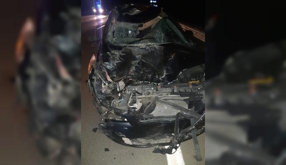 Edirne'de otomobil mandaya çarptı: 3 yaralı