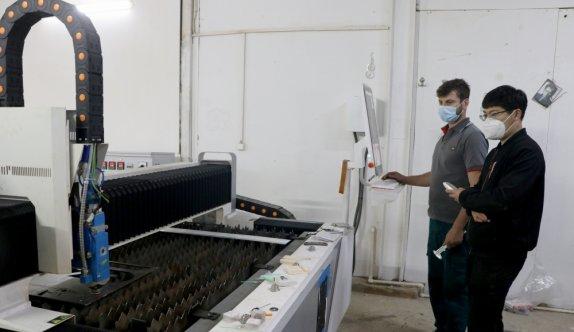 Edirneli genç girişimciler Yunan ve Bulgar müşterilerin taleplerini karşılamak için Çin'den makine satın aldı