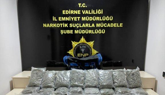 Hamzabeyli Sınır Kapısı'nda 12 kilo 920 gram esrar ele geçirildi