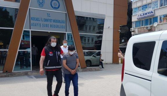 Kocaeli'de amcasının birlikte yaşadığı kadını öldürdüğü iddia edilen şüphelinin 2 yakını tutuklandı