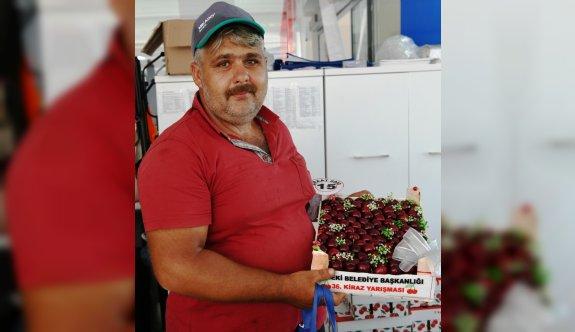 Lapseki'de çay bardağına sığmayan kirazlar jüri önüne çıktı