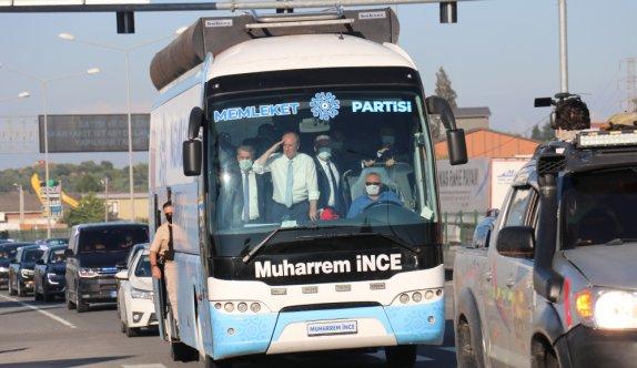 Memleket Partisi Genel Başkanı Muharrem İnce, Yalova'da vatandaşları selamladı
