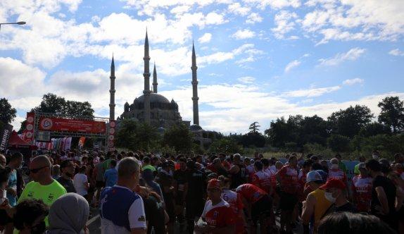 Tekirdağ ve Kırklareli'nde sessizlik Edirne'de ise bazı caddelerde maraton yoğunluğu yaşandı