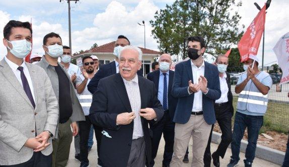 Vatan Partisi Genel Başkanı Perinçek, Tekirdağ'da grevdeki işçileri ziyaret etti