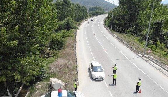 Bilecik'te jandarmadan drone ile trafik denetimi
