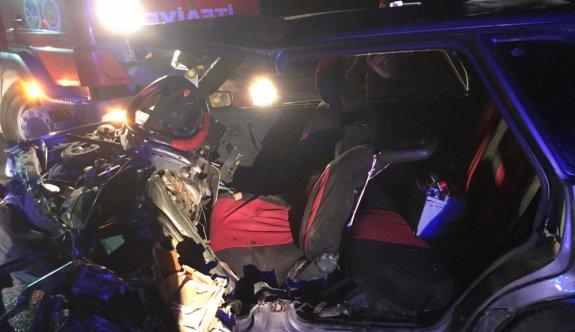 Sakarya'da iki otomobil çarpıştı: 5 yaralı