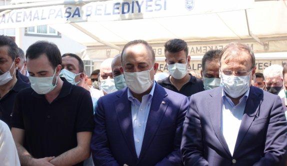 Vefat eden eski Bursa Milletvekili Ali Koyuncu son yolculuğuna uğurlandı