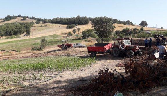 Balıkesir'de devrilen traktördeki yaşlı kadın hayatını kaybetti