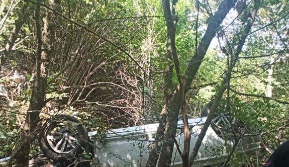Kırklareli'nde otomobil dere yatağına devrildi: 2 ölü