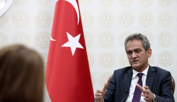 Milli Eğitim Bakanı Özer, okullarda yüz yüze eğitim hazırlıklarını AA'ya açıkladı: