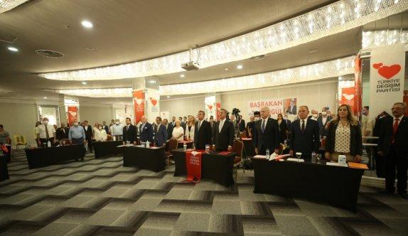 TDP Genel Başkanı Sarıgül, partisinin Sakarya il kongresine katıldı