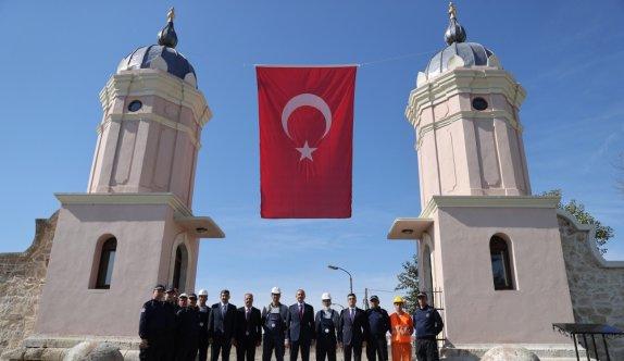 Adalet Bakanı Gül, Edirne'de hükümlülerin restore ettiği kule kapıları inceledi