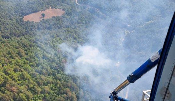 Balıkesir'de çıkan orman yangınına havadan ve karadan müdahale ediliyor