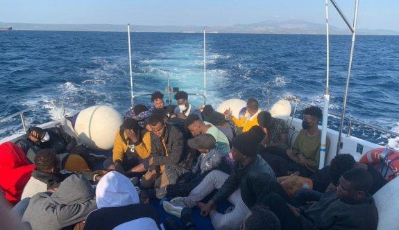 Balıkesir'de Türk kara sularına geri itilen 35 düzensiz göçmen kurtarıldı