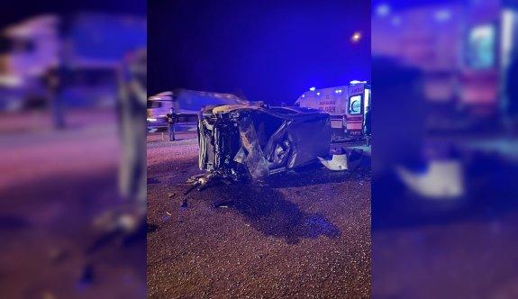 Bilecik'te hafif ticari aracın devrilmesi sonucu 12 yaşındaki çocuk öldü