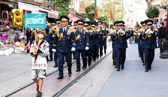 Bursa sokakları bando sesleriyle yankılandı