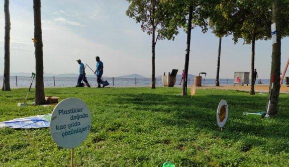 Caddebostan Sahili'nde temizlik etkinliği yapıldı