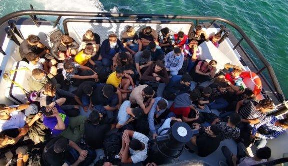 Çanakkale açıklarında 59 düzensiz göçmen kurtarıldı