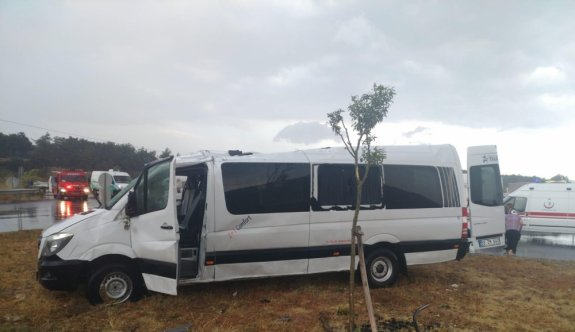 Edirne'de minibüs devrildi: 8 yaralı