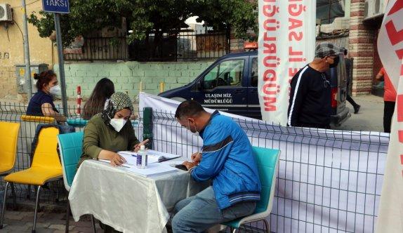 Edirne'de pazara gelen vatandaşlar önce alışveriş yaptı sonra Kovid-19 aşısı oldu