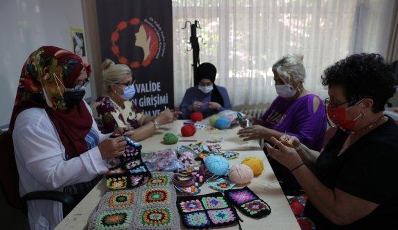 Edirne'de sosyal hizmet merkezinde hazırlanan el emeği ürünler ABD'ye ihraç edilecek