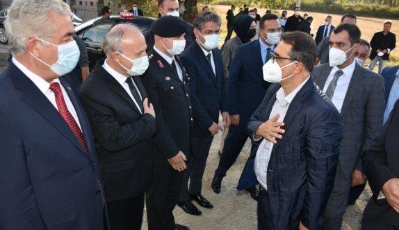 Enerji ve Tabii Kaynaklar Bakanı Fatih Dönmez Bilecik'te ziyaretlerde bulundu