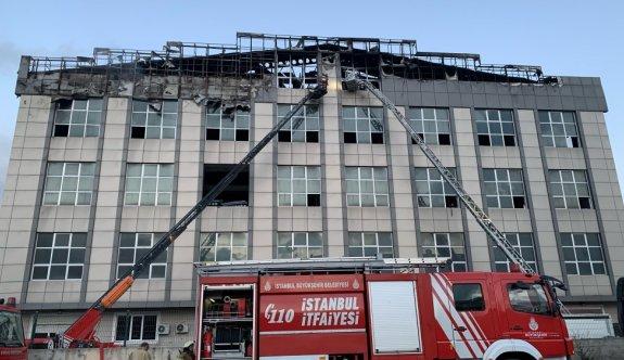 GÜNCELLEME - İstanbul'da bir iş yerinde yangın çıktı