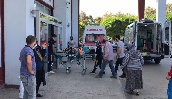 Sakarya'da fındık işçilerini taşıyan traktörün römorku devrildi: 6 yaralı