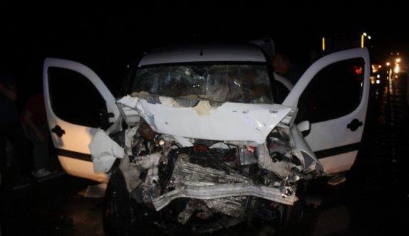 Tekirdağ'da iki hafif ticari araç çarpıştı: 7 yaralı
