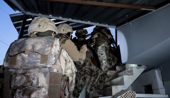 GÜNCELLEME - Bursa'da silah kaçakçılarına yönelik operasyonda 32 şüpheli yakalandı
