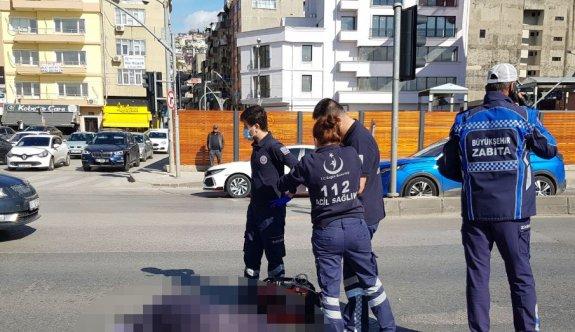 Kocaeli'de hafif ticari aracın çarptığı kadın hayatını kaybetti
