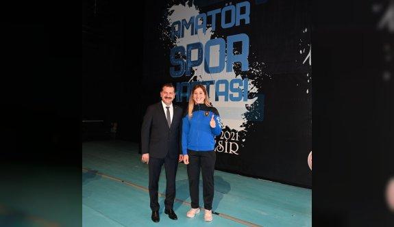 Milli güreşçi Yasemin Adar, Balıkesir Büyükşehir Belediyespor adına güreşecek
